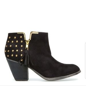 Shoedazzle Black Studded Ronnie Booties size 7.5